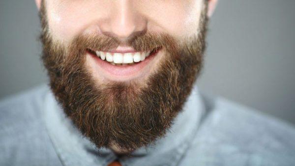 Comment avoir les dents blanches rapidement en quelques astuces simples